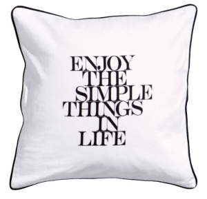 h&m simple things cushion