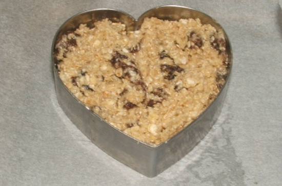 tried and tested: oat and raisin cookies