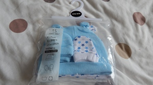 scratch mitts and hats from primark