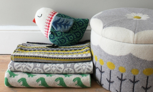sally nencini knitted storage stool