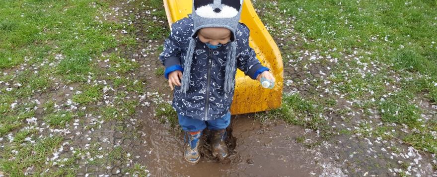 jenson splashing in puddles