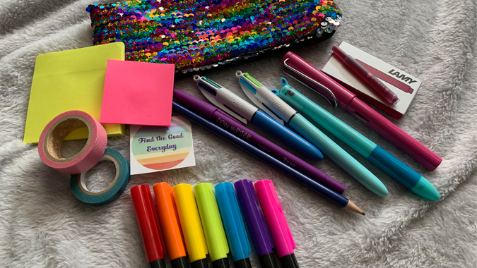 What's in my pencil case - Katie from Find the Good Everyday