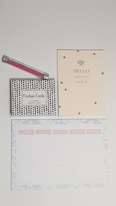 WIN a Pretty and Pink Stationery Box from Got2Jot